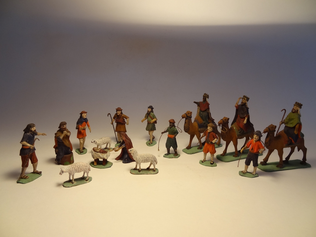 Krippenfiguren (Miniaturschnitzerei)