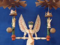 Pyramidenengel mit zwei Flügelrädern