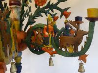 Deckenleuchter mit Figuren von Karl Müller
